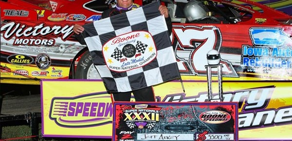 Aikey captures record-tying fourth Super Nationals title