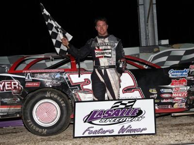 Bobby Pierce wins night night of Thaw Brawl at LaSalle