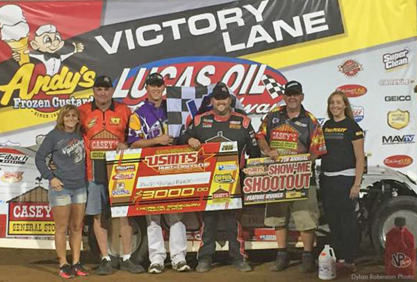 Zack VanderBeek prevailed in the USMTS Slick Mist Shootout on Saturday night at Lucas Oil Speedway. (Dylan Robinson photo)