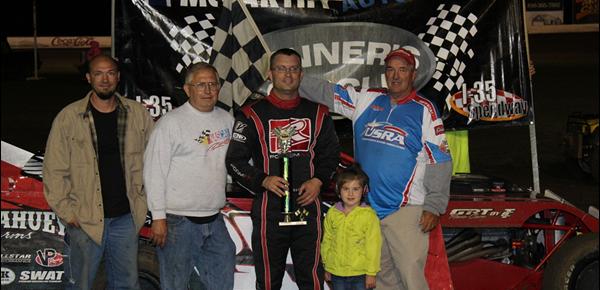Elliott, Wary and Ainsworth Score USRA Wins at    I-35 Speedway!!!