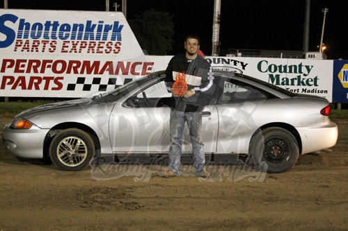 It was a full house at lee county speedway with bacerra for Finnicum motors lee county